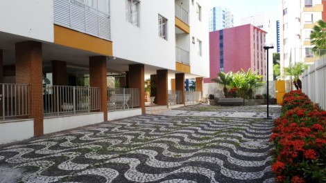 CANDEAL – BROTAS – Apartamento 3/4 com 2 Suítes, 98m², 3 Vagas Cobertas, Nascente