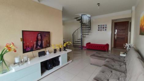 Vila Laura – Cobertura com 4/4, 204m², Bela Vista para a Bahia de Todos os Santos