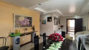 Casa Itapuã – Condomínio Recanto de Itapuã – 5/4 com 1 Suíte, 4 Vagas